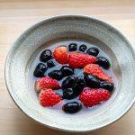 黒大豆とイチゴのシロップ浸け